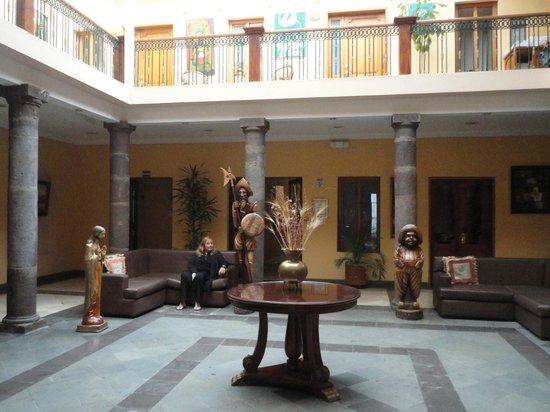 Hotel Boutique Plaza Sucre : Salón de ingreso