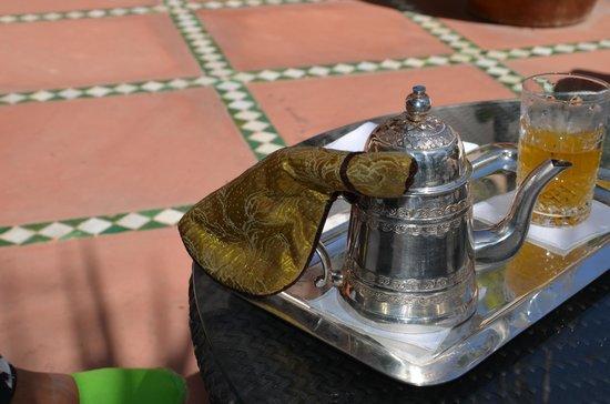 La Mamounia Marrakech: Chá requintamente servido no hotel La Mamounia-Marrakech
