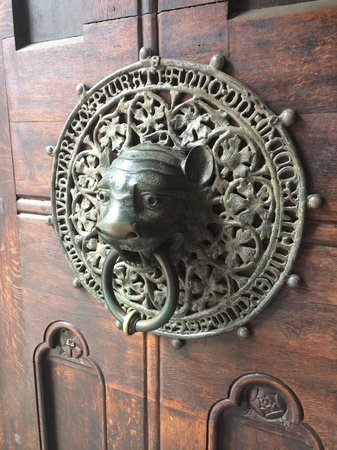 SANDEMANs NEW Hamburg Tours: You'll learn about this door handle!