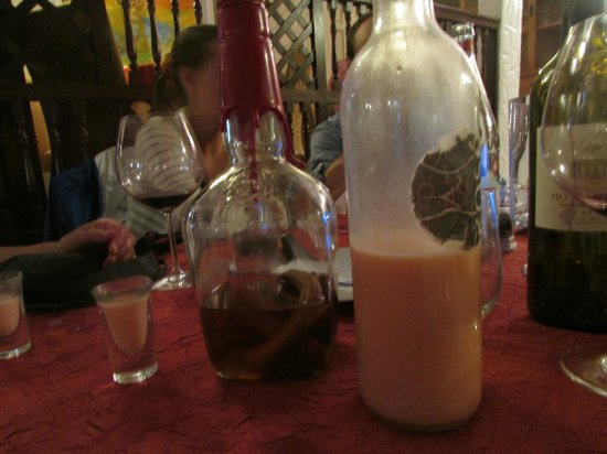 La Villa Restaurant: rum drink