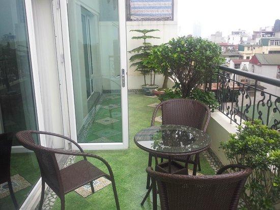 Hanoi Pearl Hotel : Balcony