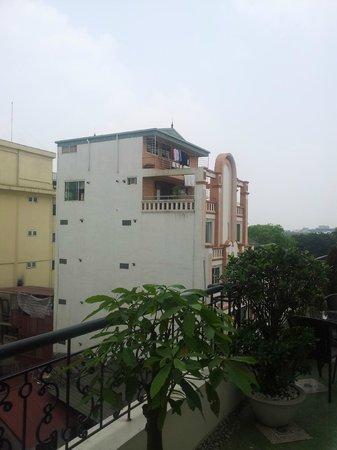 Hanoi Pearl Hotel : Outside balcony's view