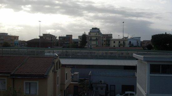 Hotel Jonico: Esta es la vista desde el balcon de la habitacion