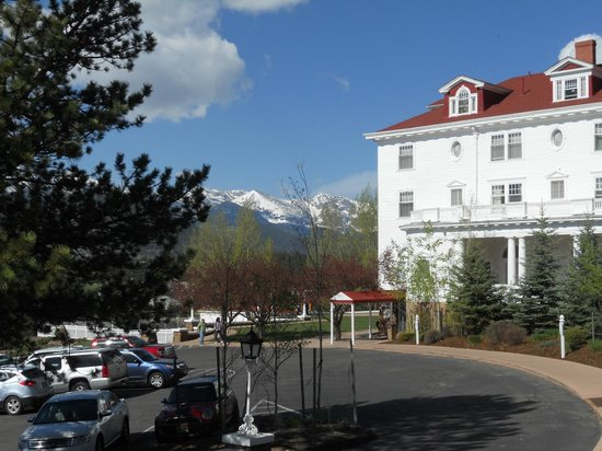 Stanley Hotel: View from breakfast