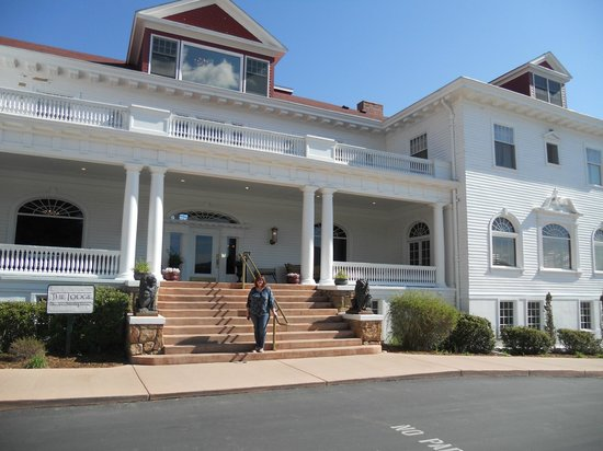 Stanley Hotel: Stanley Lodge entrance