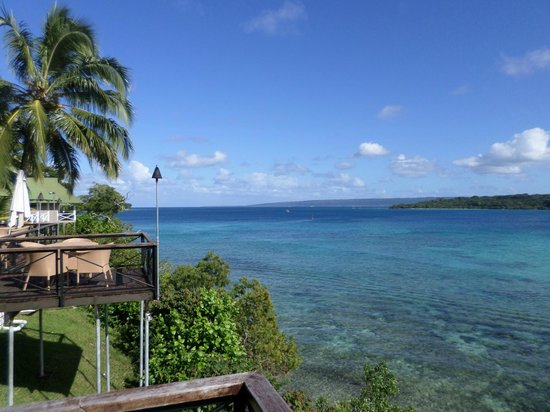 how to get to iririki island from port vila
