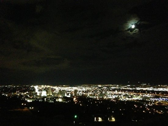 Peery Hotel: A view of Salt Lake City at Night