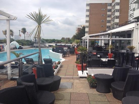 The Cumberland Hotel: Pool area