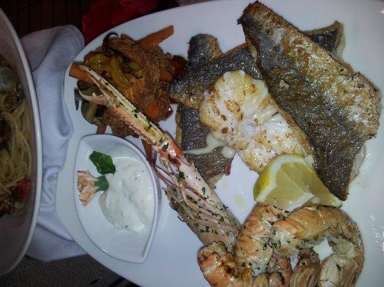 Gasthaus Kircher: Leckerer Fischgrillteller