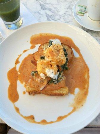 Hotel Encanto: eggs benedict at chipotle!!