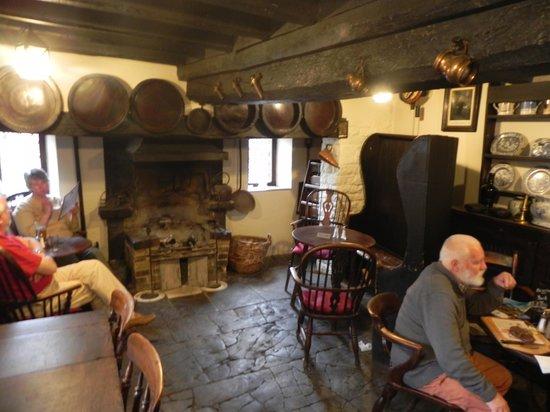 The Fleece Inn: Inside Fleece Inn
