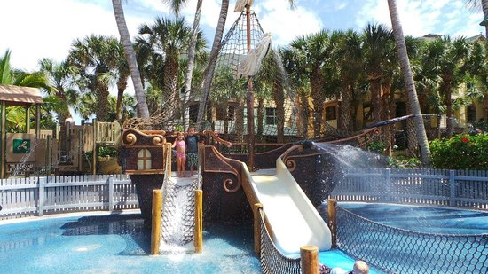 Disney's Vero Beach Resort: Kiddie Pool splash pad Pirate ship