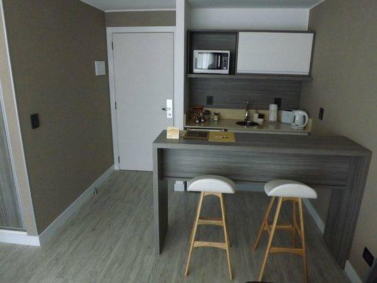 2122 Hotel Art Design: Cozinha do quarto.