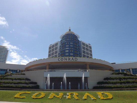 2122 Hotel Art Design: Fachada do hotel Conrad.