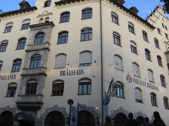 Munich Walk Tours: Paulaner Brauhaus