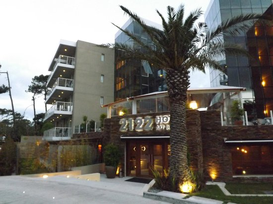2122 Hotel Art Design : Fachada do hotel 2122.