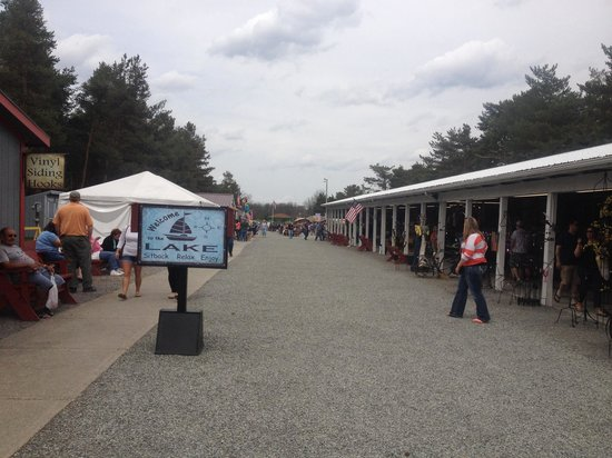 The Windmill Farm & Craft Market: View of the shops outside