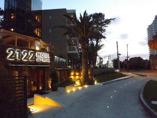 2122 Hotel Art Design: Fachada do hotel.