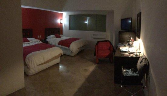 We Hotel Aeropuerto: Cuarto