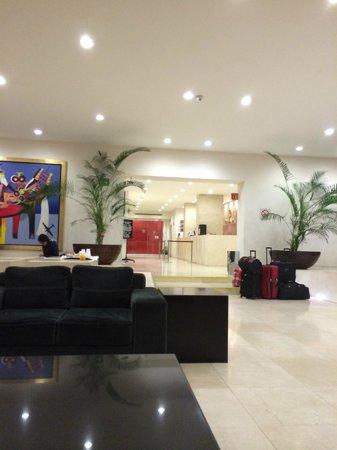 We Hotel Aeropuerto: Lobby
