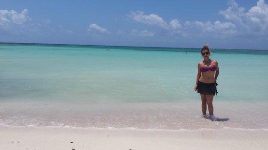 Hotel Barcelo Maya Beach: LA MEJOR PLAYA! EN LAS PEORES MANOS
