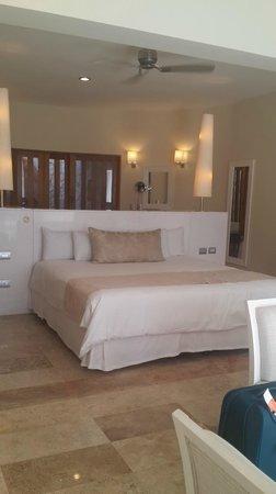 Grand Riviera Princess All Suites Resort & Spa: Hemosa y amplia habitacion
