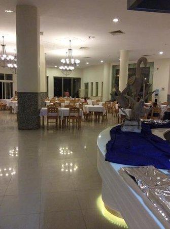 Khayam Garden : seating area restaurant
