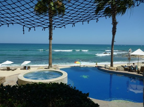 Cabo Surf Hotel: View from our balcony