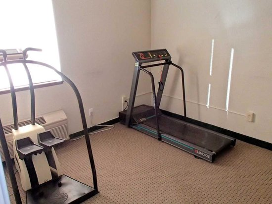 Ramada Limited Redding: Exercise room.