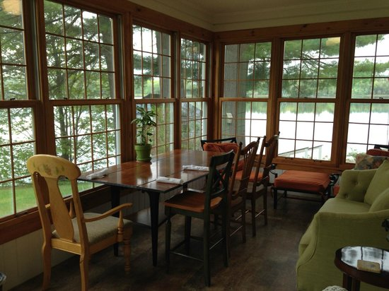 Wolf Cove Inn: views from common area