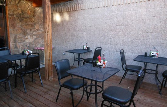 Notchtop Bakery & Cafe : Patio