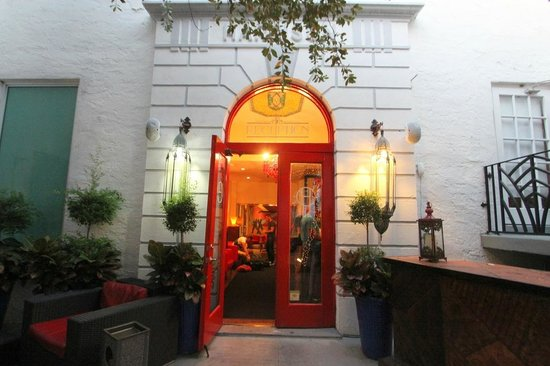 Harrison Hotel : Entrance