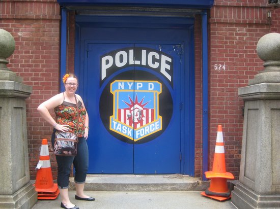 Travel Inn Hotel New York : My daughter across street @ Police Station