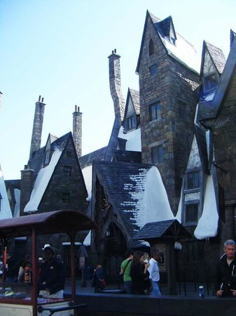 The Wizarding World of Harry Potter: Crooked chimneys