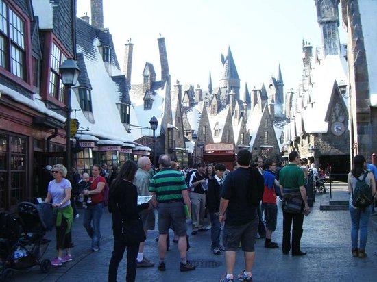 The Wizarding World of Harry Potter: Street scene
