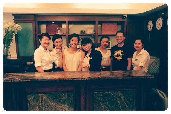 Hanoi Charming 2 Hotel : Us with the amazing staff! :)