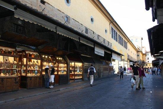 Hotel Alessandra: Golden Bridge
