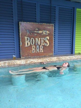 Pelican Bay at Lucaya : Relaxing at the Bones Pool!