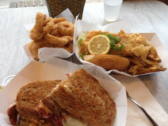 Eat 'n Meet Grill and larder: Excellent rueben onion rings & fish n chips