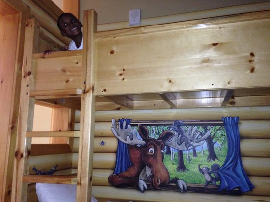 Great Wolf Lodge Concord: Bunk Bed in Suite was a Hit!