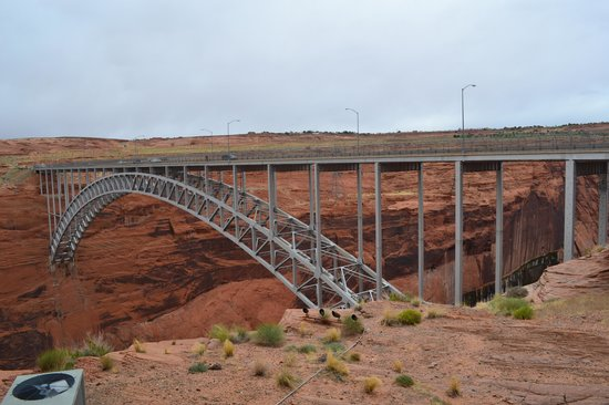 Glen Canyon Dam : Glen Canyon Bridge from just outside the visitors center