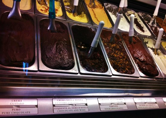 Gelateria del Teatro : chocolate lovers will be wowed with the choices on offer