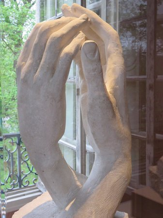 Musée Rodin : Cathedral Clasping Hands