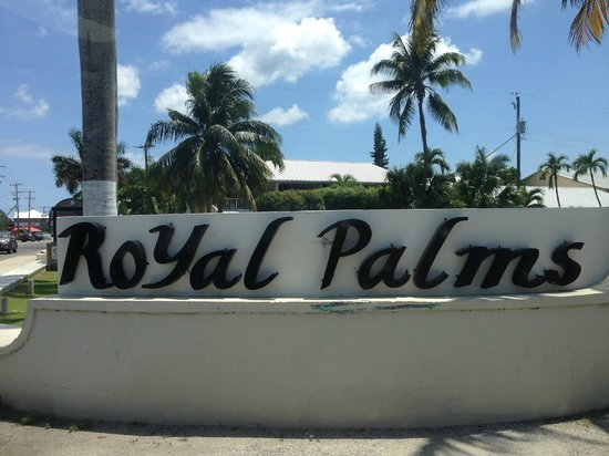 Royal Palms Beach Club: Sign