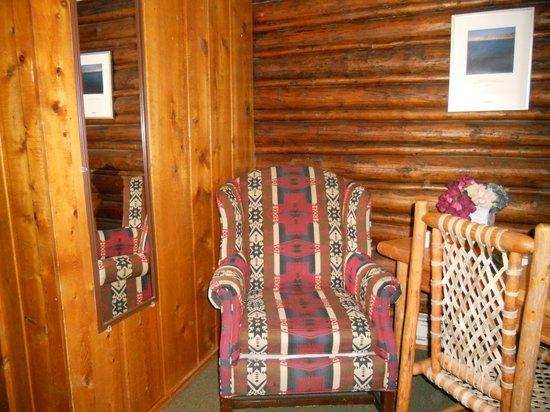 The Log Cabin Motel: Comfortable