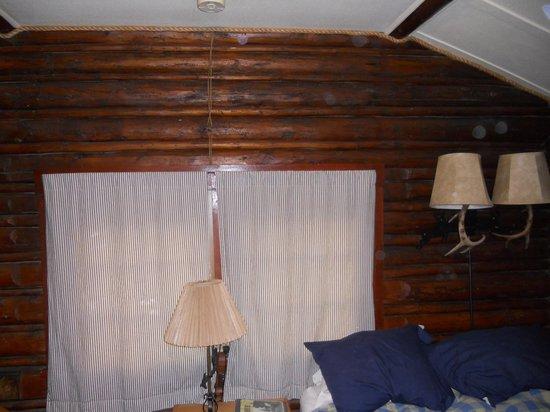 The Log Cabin Motel: Slept very well.