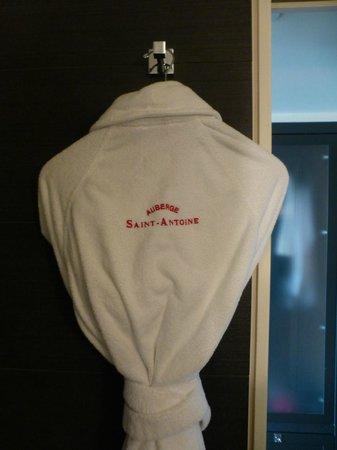 Auberge Saint-Antoine : NIce amenities- heated floor was great