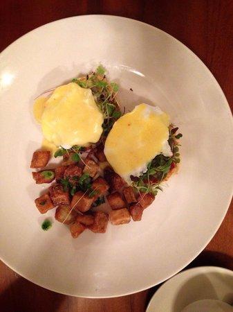Truffles Bistro: Vegetarian Eggs Benedict