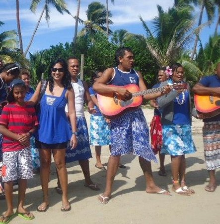 Robinson Crusoe Island Resort: Welcome song