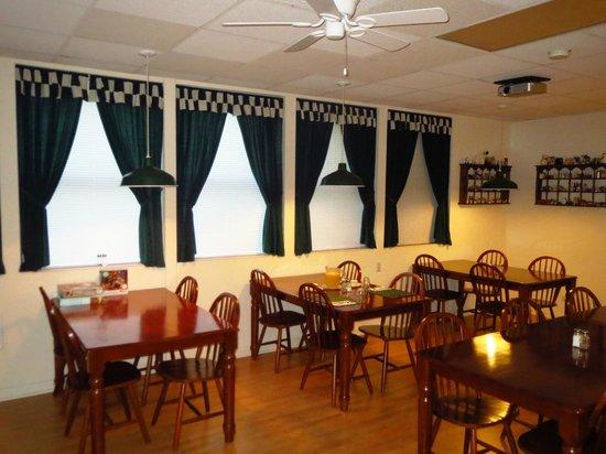 Country River Inn : Breakfast room